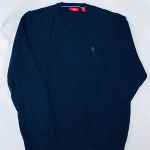 Izod V-Neck Sweater Size: Medium